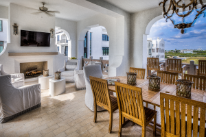 30A Florida beach house outdoor dining room